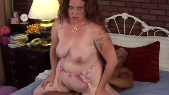 Cute chubby MILF Rhonda loves the taste of cum