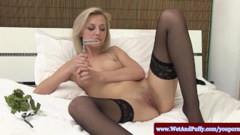 Big taco beauty in stockings loves toys