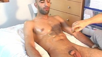 So male ! This str8 french arab guy is so sexy to get wanked by a guy despite of him!