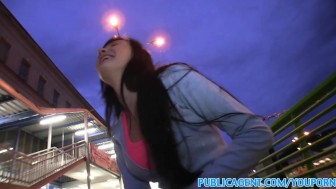 PublicAgent Babe sucks and fucks in the dark