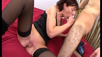 Mature en prend plein le cul et orgasme !!! French amateur