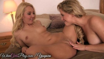 When Girls Play- Hot pussy licking blondes