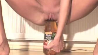 Skinny amateur girl fucking huge bottles