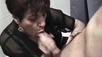 French cougar who loves sex - Java Productions