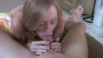 Horny Cumslut MILF Melanie