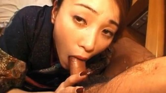 Kanako Fujimori sucks boners while her pussy is aroused a lot