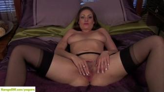 Sophia Delane Rubs MILF Box