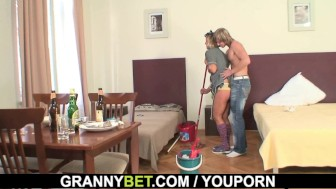 Cleaning mature woman rides his hard meat