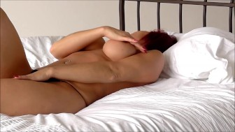 Audrey, Play whit toy in Bed
