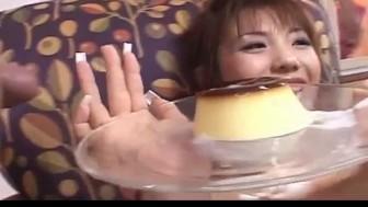 Mei Amasaki busty eats sperm