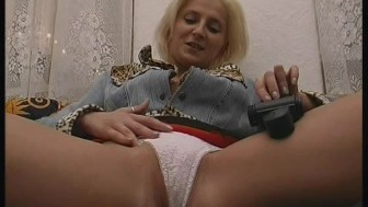 The breast Milf stripshow around - Julia Reaves