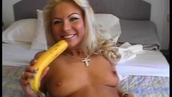 Masturbating with a banana - Julia Reaves
