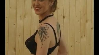 Blonde milf masturbating for the camera - Julia Reaves
