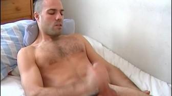 My str8 neighbour made a porn where he pump a big cock !