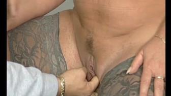 Fingering a chubby milf - Julia Reaves