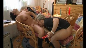 Getting his cock sucked by a MILF - Julia Reaves