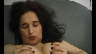 Mature brunette playing with herself - Julia Reaves