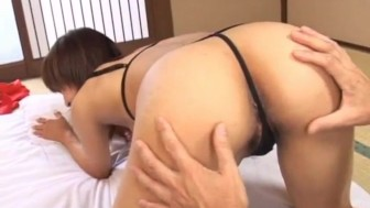 Ami Kitajima screams while having her bush nailed
