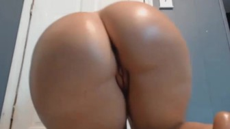 Juicy Big Booty Rump Shaker