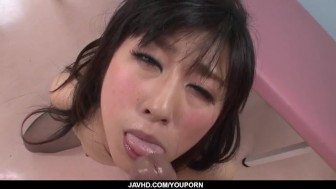 Kyoka Mizusawa feel a big dick sliding between both her holes