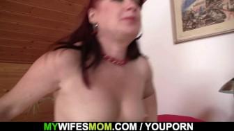 He fucks hot girlfriends mom in stockings