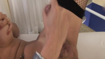 She Loves To Play With That Cum - Magnus
