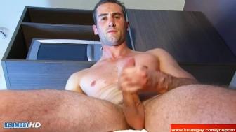 str8 Guys : wank him !