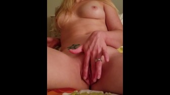 Wife pussy play
