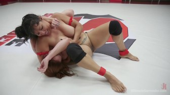 Bella Rossi and Izamar Gutierrez 100 percent real erotic WRestling