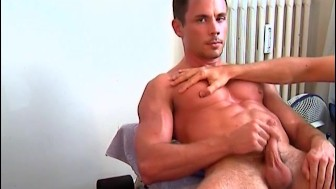 A delivery guy made a porn: watch his huge cock hard !