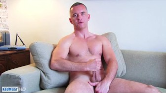 A mature guy serviced his big cock by a guy in spite of him !