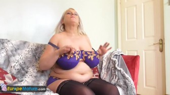 EuropeMature Sami mature toying