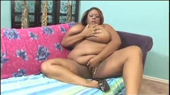 Massive Black Girl Shows Off Her Extra Pounds