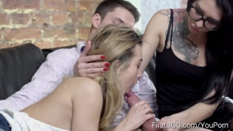 TeenMegaWorld.net - Soniy Sweet and Erika Bellucci- Unexpected threesome action