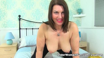 british milf raven will turn you on with her hot body