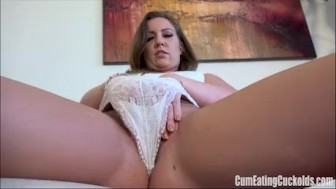 Maddy Oreilly rubs her sweet snatch furiously