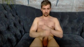 ARMANI_HOT. Wanna have fun and joy here? Come to my room then!