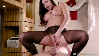 Brazzers - She Really Wants The Job