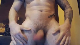 HOTsexyGAYxxx. I am a young guy offer you! Lets have fun!