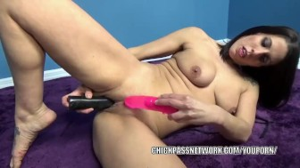 Horny MILF Lavender Rayne fucks her twat with two dildos
