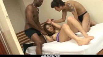 Iori Mizuki leaves several men to fuck her for hours