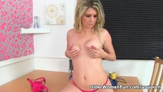UK milf Ashleigh lets us enjoy her leaking nipples
