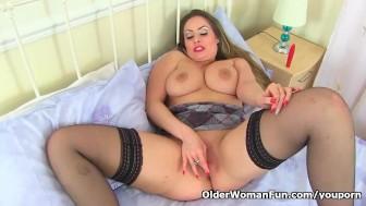 English milf Sophia Delane lets her lust take over