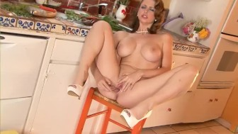 babe with a dildo – suze randall
