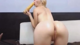 Hot Babe with Wet Pussy Close up View