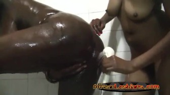 africanlesbians Yvonne Simone Bathroom