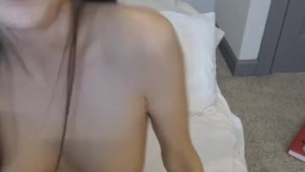Beautiful Hot Babe Plays her Pussy on Cam