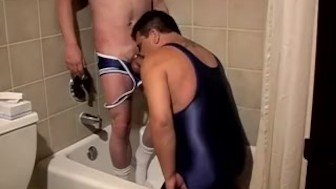 Shadow plays with his fat twink Lycan in the bathroom