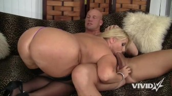 Smoking big ass hot MILF Karen wants to fuck her instructor