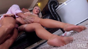 Milf Mistress Vicktoria Redd in Hadcore Sex & Foot Fetish Fuck
